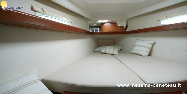Beneteau Oceanis 40 Exclusive 2007 For Charter